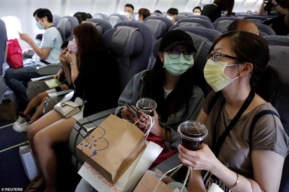 Đài Loan cho dân đi máy bay giả vờ để xoa dịu những con tim thèm du lịch - Ảnh 6.