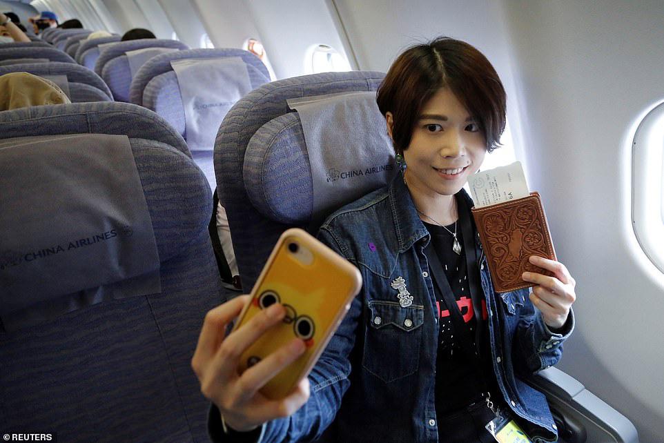 Đài Loan cho dân đi máy bay giả vờ để xoa dịu những con tim thèm du lịch - Ảnh 8.
