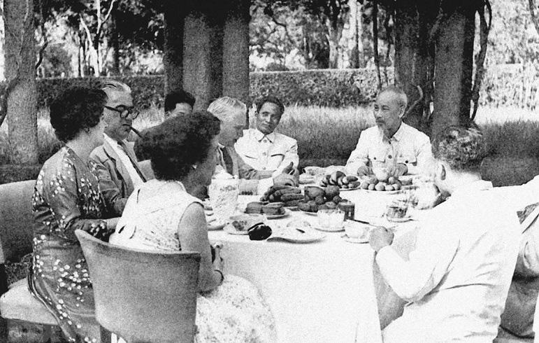 Vận dụng tư tưởng Hồ Chí Minh trong công tác đối ngoại hiện nay - Ảnh 1.