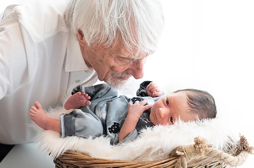 """Vừa đón quý tử """"nối dõi"""" ở tuổi 89, ông trùm F1 tiếp tục muốn có thêm con: Không cần đến """"thần dược"""" Viagra, chỉ bổ sung 1 loại vitamin cực thông dụng - Ảnh 1."""