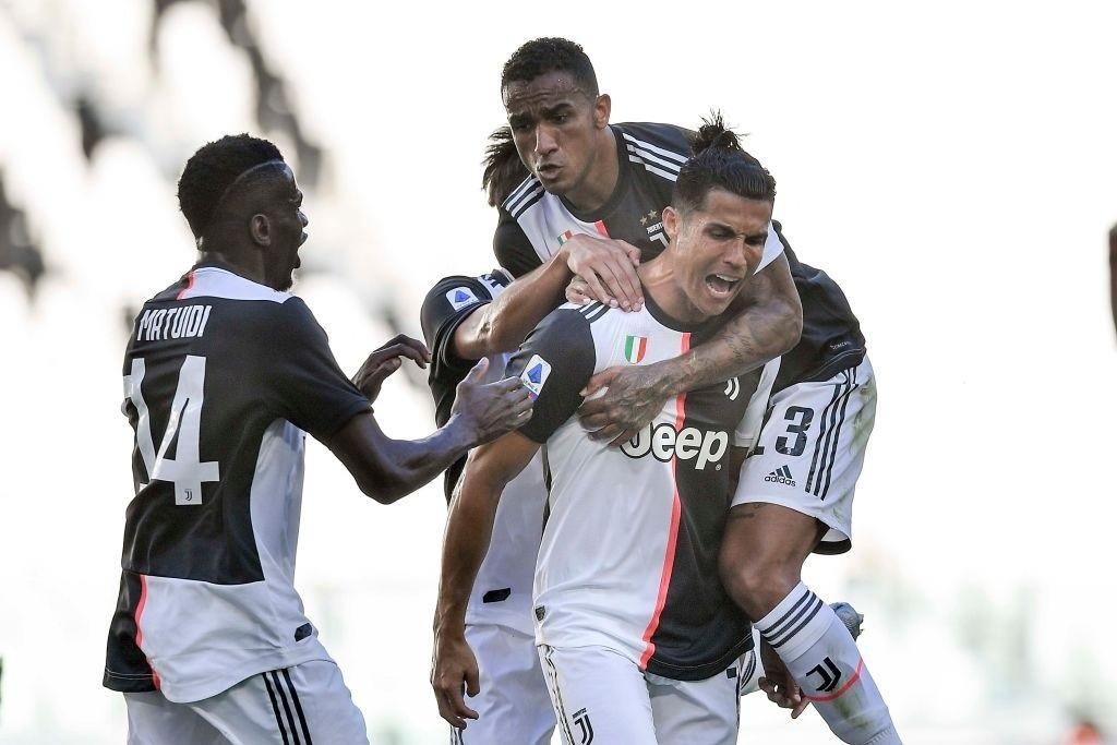 Ronaldo sút phạt thành bàn sau 2 năm chờ đợi, Juve băng băng đến ngôi vô địch - Ảnh 2.
