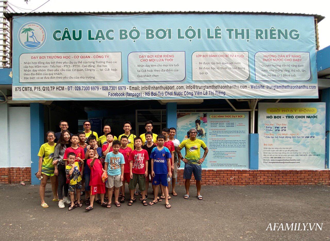 Có một lớp dạy bơi miễn phí cho trẻ em cơ nhỡ giữa lòng Sài Gòn, nơi đầy ắp tiếng cười và tình thương - Ảnh 10.
