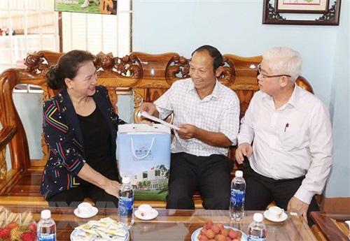 Chủ tịch Quốc hội lưu ý tỉnh Bình Phước hỗ trợ người lao động sớm quay trở lại làm việc, ổn định cuộc sống - Ảnh 2.