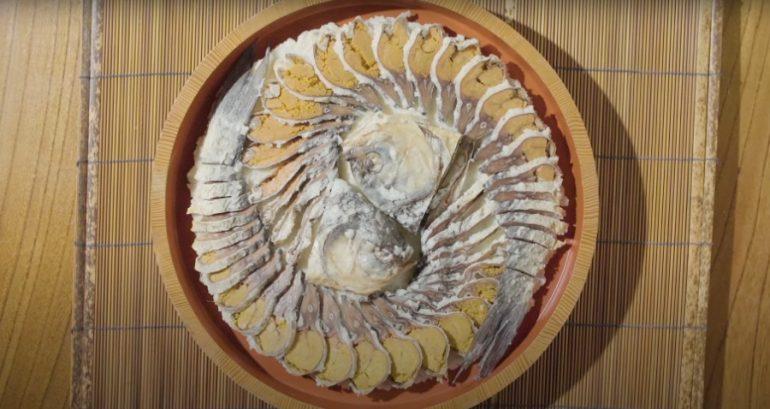 Món cá Funazushi tanh nhất thế giới được người Nhật chế thành kem - Ảnh 2.