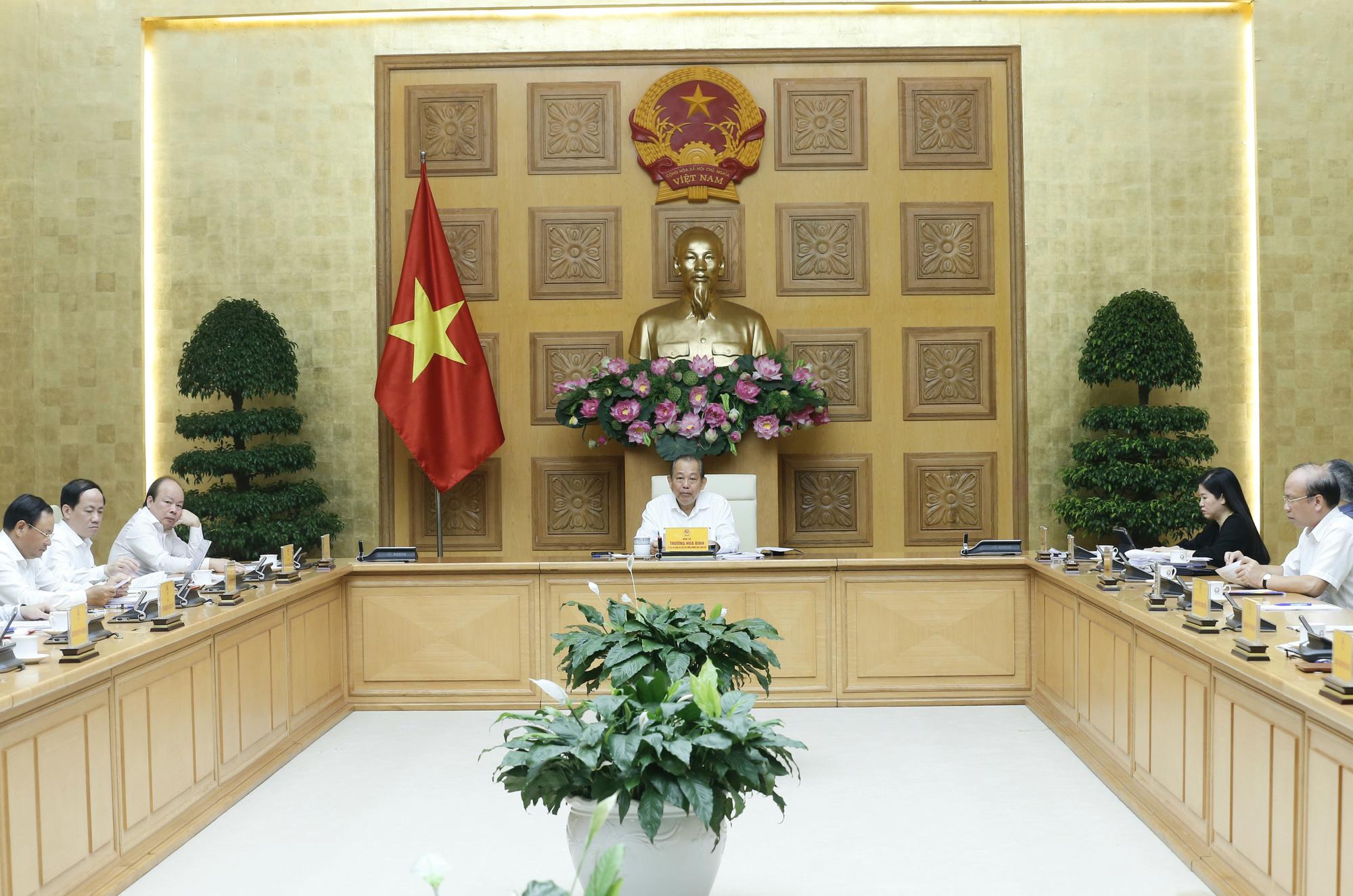 Phó Thủ tướng Trương Hòa Bình chủ trì họp sửa đổi 3 nghị định về cổ phần hóa, thoái vốn Nhà nước - Ảnh 2.