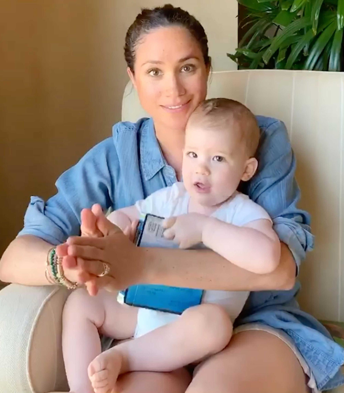 Chỉ với 1 lời nhận xét, Meghan Markle sa thải bảo mẫu của con trai sau 2 ngày làm việc và một loạt tiết lộ mới về quá trình làm mẹ của cô - Ảnh 2.