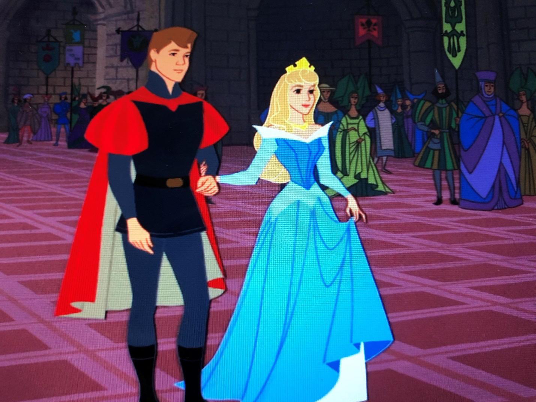 5 sự thật đen tối về hoạt hình Disney: Nghe công chúa ngủ trong rừng bị cưỡng bức mà lạc mất tuổi thơ - Ảnh 5.