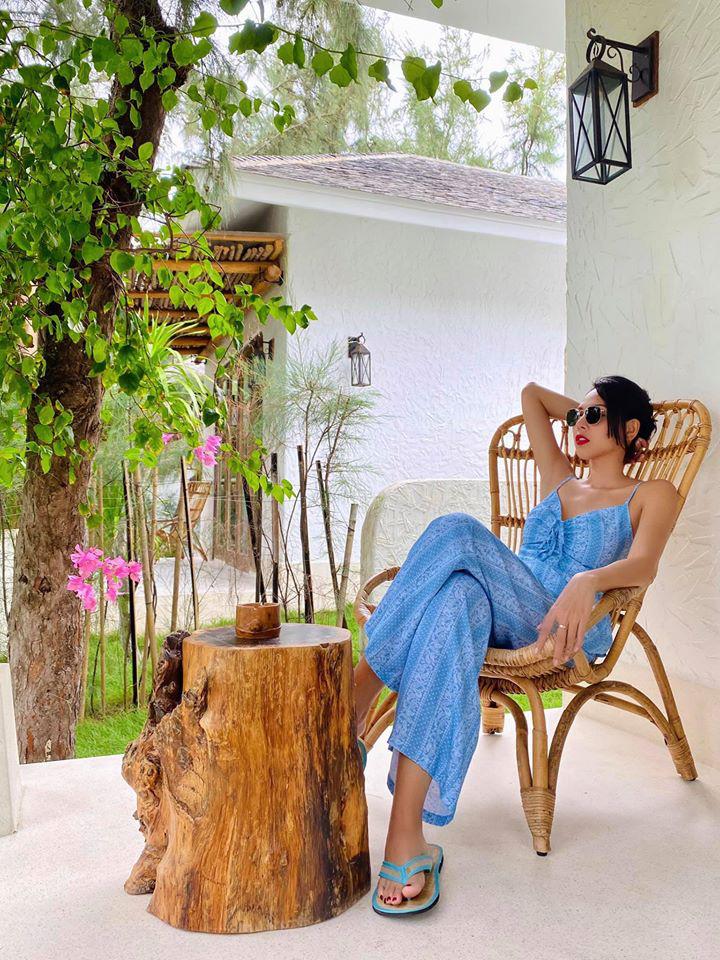 """Minh Triệu chia sẻ: """"Ra vườn để nge chim hót. Hót líu lo ngủ lúc nào không hay""""."""