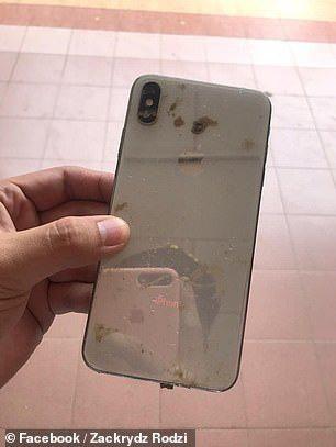 """Tìm thấy iPhone mất tích, khổ chủ chỉ biết dở khóc dở cười với ảnh tự sướng của """"kẻ trộm"""" - Ảnh 1."""