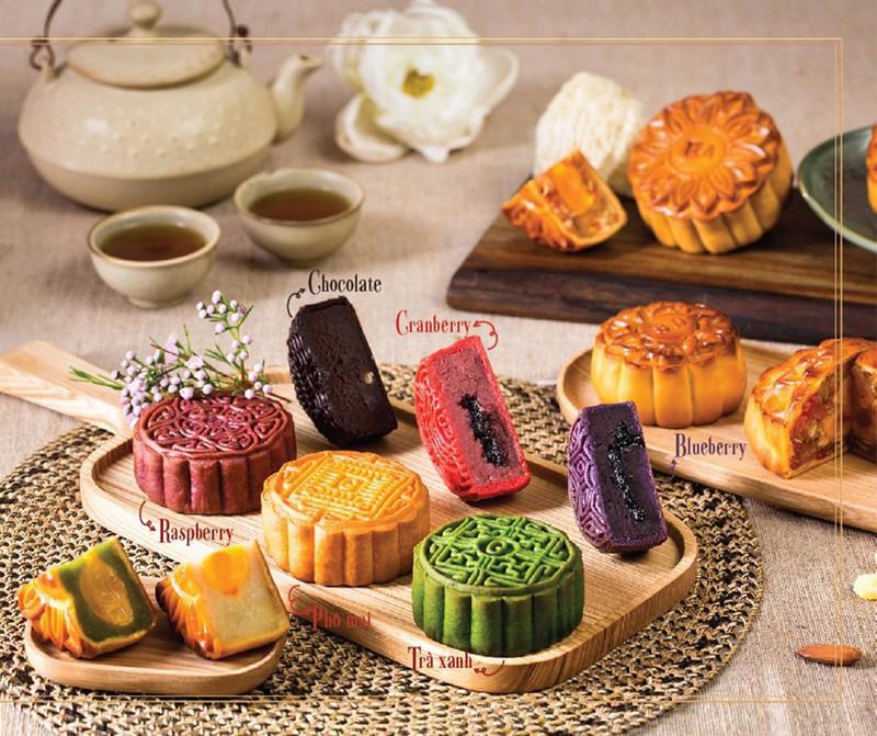 Sốt xình xịch những mẫu bánh Trung thu nhìn cái muốn mua ngay: Ngoại hình long lanh mà hương vị cũng xuất sắc! - Ảnh 3.
