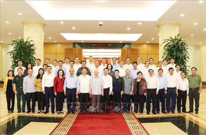 Bộ Chính trị làm việc với Ban Thường vụ Thành ủy Hà Nội - Ảnh 3.