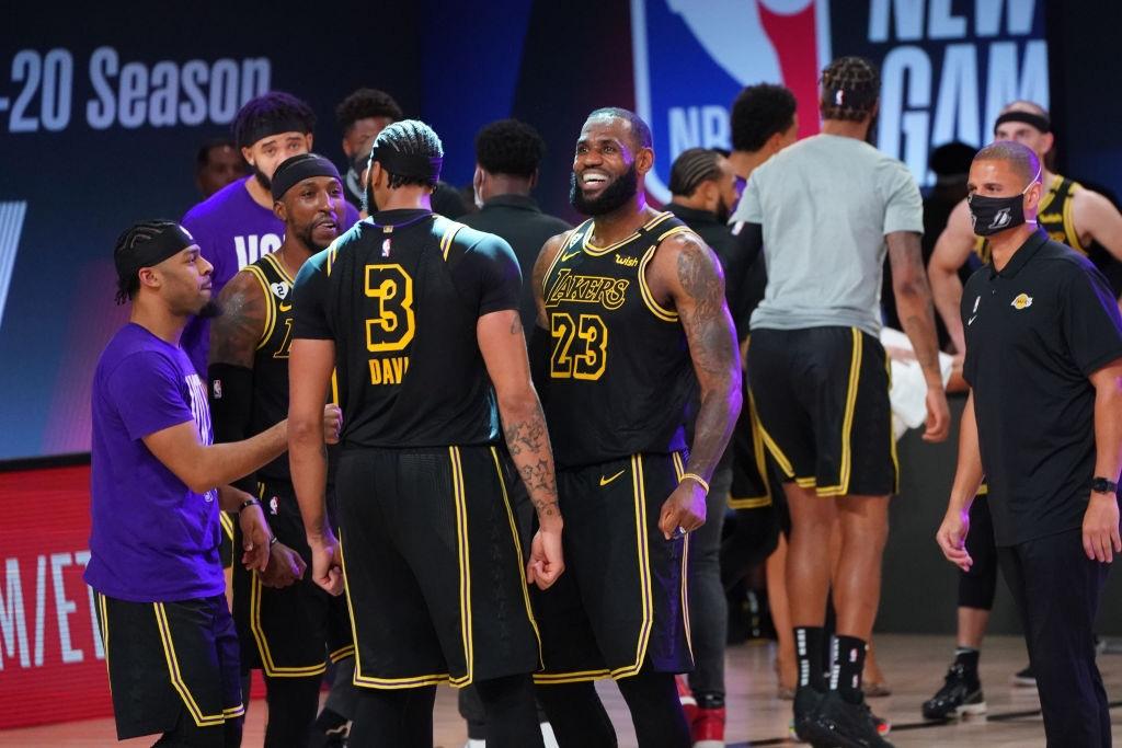 Tung cú buzzer beater đẳng cấp, Anthony Davis giữ lại chiến thắng cho Los Angeles Lakers trước cuộc lội ngược dòng của Denver Nuggets - Ảnh 3.