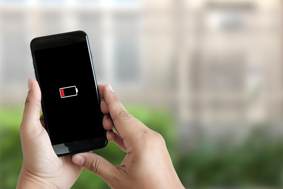 iOS 14 sụt pin nhanh như cách người yêu cũ trở mặt, làm thế nào để khắc phục? - Ảnh 1.