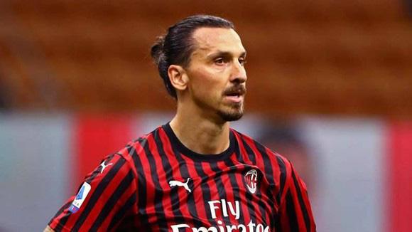 """Ibrahimovic dương tính với COVID-19, fan tỏ ra lo lắng cho con virus """"xấu số"""" - Ảnh 1."""