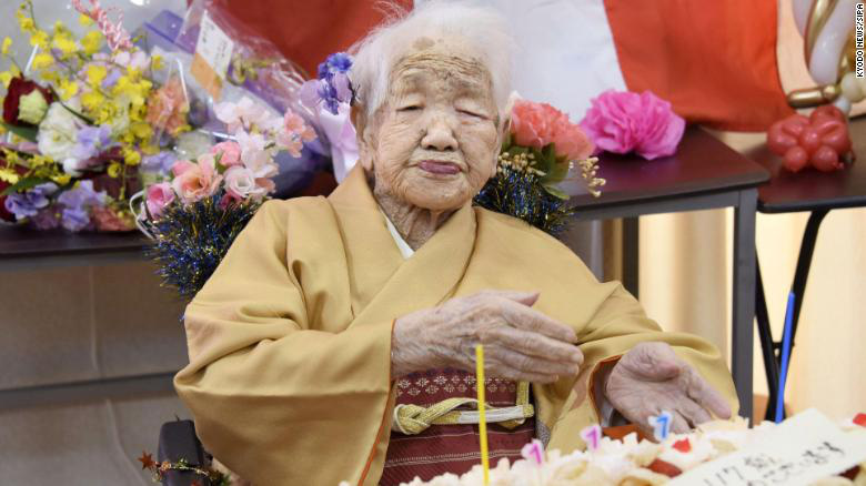 Kỷ lục sống thọ không tưởng của người Nhật: Cứ 1500 người lại có 1 cụ già trên 100 tuổi, bí quyết đơn giản tới mức ai cũng áp dụng được - Ảnh 1.