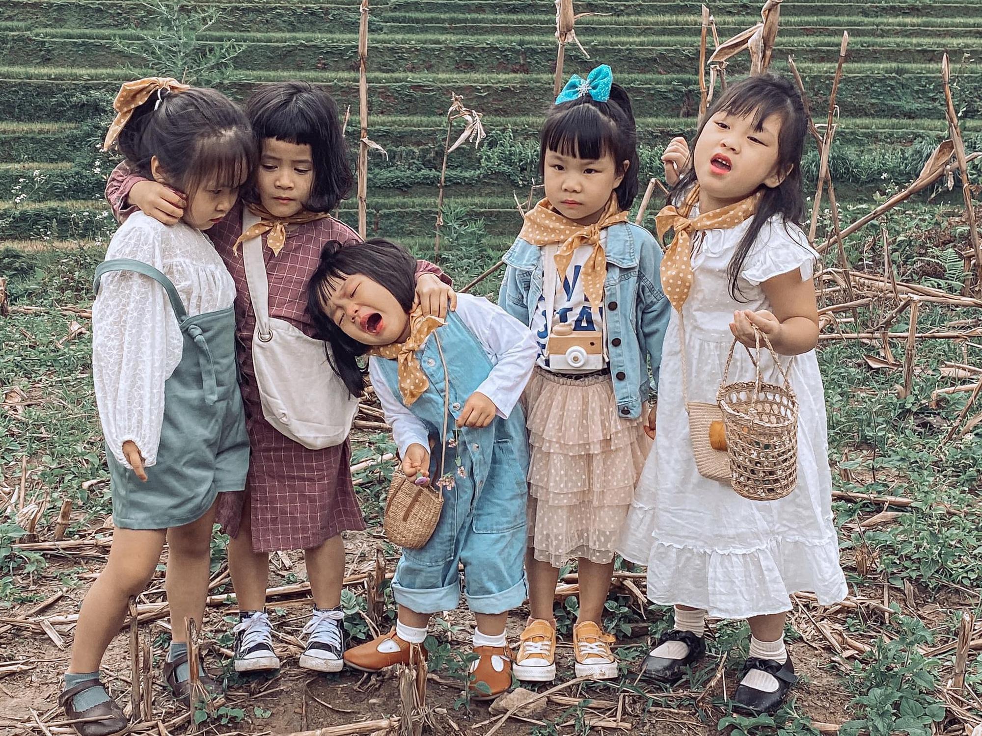 5 bà mẹ chơi thân đưa 5 công chúa nhí đi du lịch mà không cần trợ giúp của các bố, loạt ảnh đáng yêu của các bé khiến CĐM xuýt xoa - Ảnh 2.
