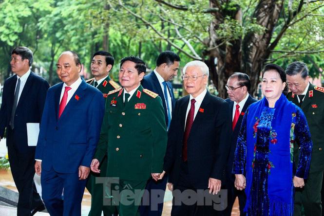 Tổng Bí thư, Chủ tịch nước: Quân đội bảo đảm môi trường 'trong ấm, ngoài êm' cho đất nước - Ảnh 2.