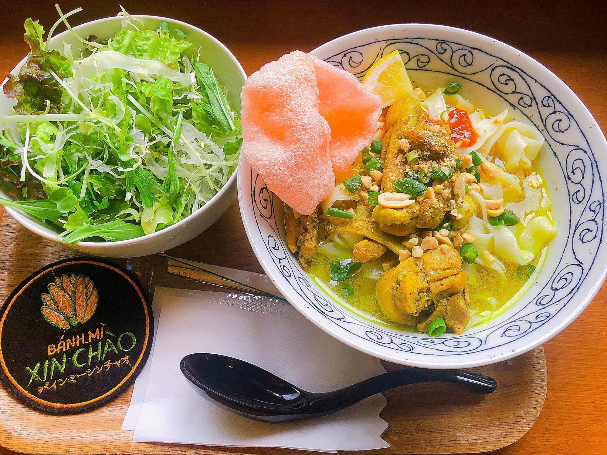 Tiệm bánh mì Việt Nam của hai anh em du học sinh trên tại Nhật Bản, giá đến hơn trăm nghìn/ổ vẫn đông nghịt khách đến - Ảnh 6.
