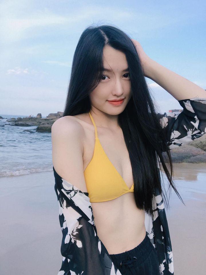 Nữ streamer ChiChi khoe ảnh bikini nóng bỏng, cộng đồng game thủ đồng loạt mlem mlem - Ảnh 2.