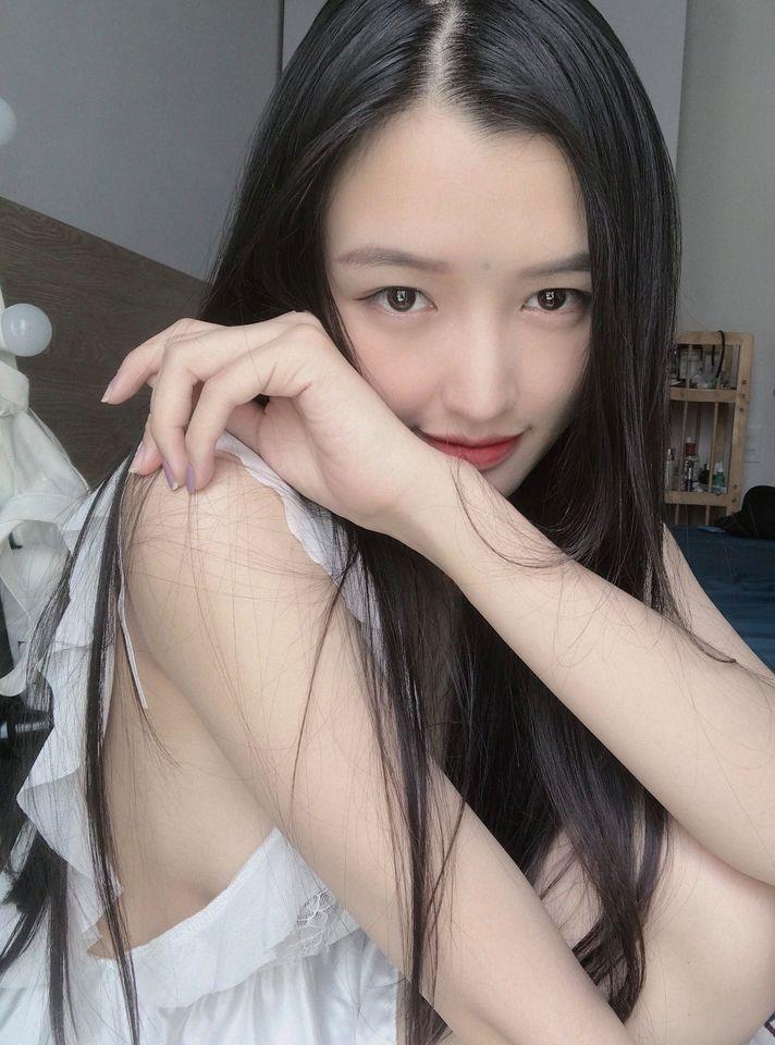 Nữ streamer ChiChi khoe ảnh bikini nóng bỏng, cộng đồng game thủ đồng loạt mlem mlem - Ảnh 8.