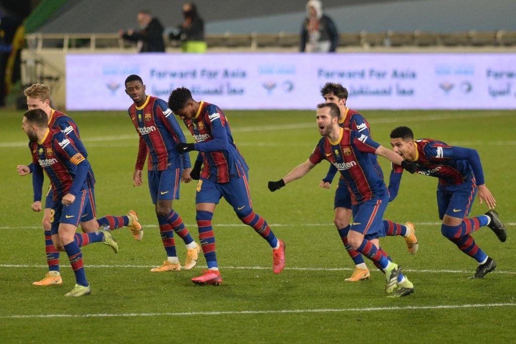 Barca vào chung kết Siêu cúp Tây Ban Nha sau loạt luân lưu 11 m cân não - Ảnh 1.