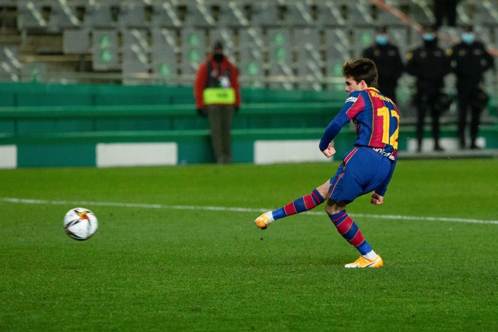 Barca vào chung kết Siêu cúp Tây Ban Nha sau loạt luân lưu 11 m cân não - Ảnh 10.
