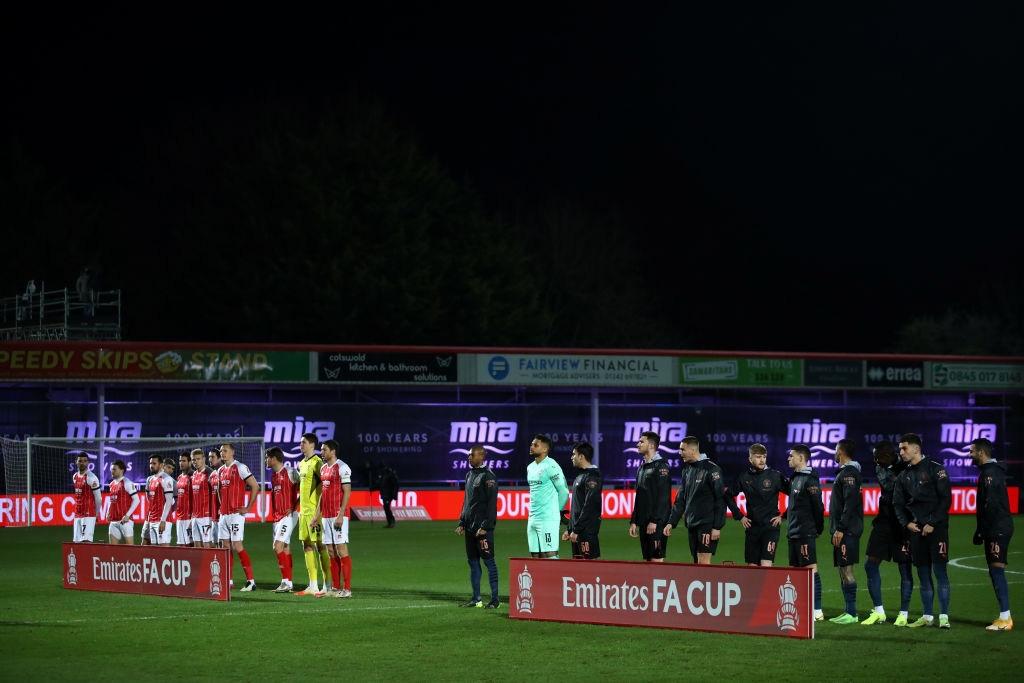 Man City thoát hiểm trước đội bóng ở giải hạng 4 Anh - Ảnh 1.