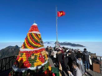 Săn mây, đón tuyết, vui lễ hội mùa đông… quá nhiều lý do để du lịch Sa Pa dịp này - Ảnh 1.