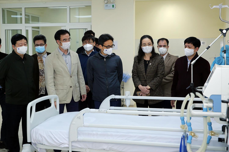 Phó Thủ tướng Vũ Đức Đam kiểm tra dịch ở Chí Linh, Đông Triều - Ảnh 1.
