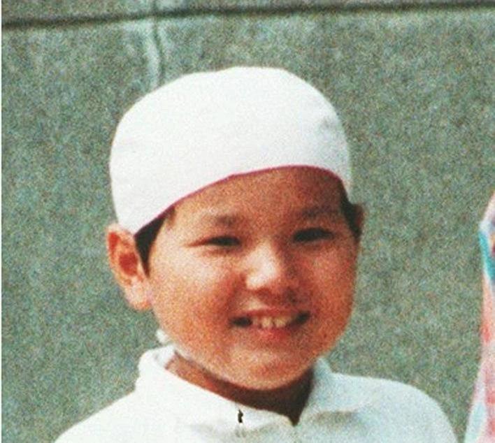 """Rợn người vụ án """"Quỷ hoa hồng"""": Danh tính sát nhân 14 tuổi được chính phủ giữ kín 18 năm lại được tiết lộ theo cách chẳng ai ngờ - Ảnh 2."""