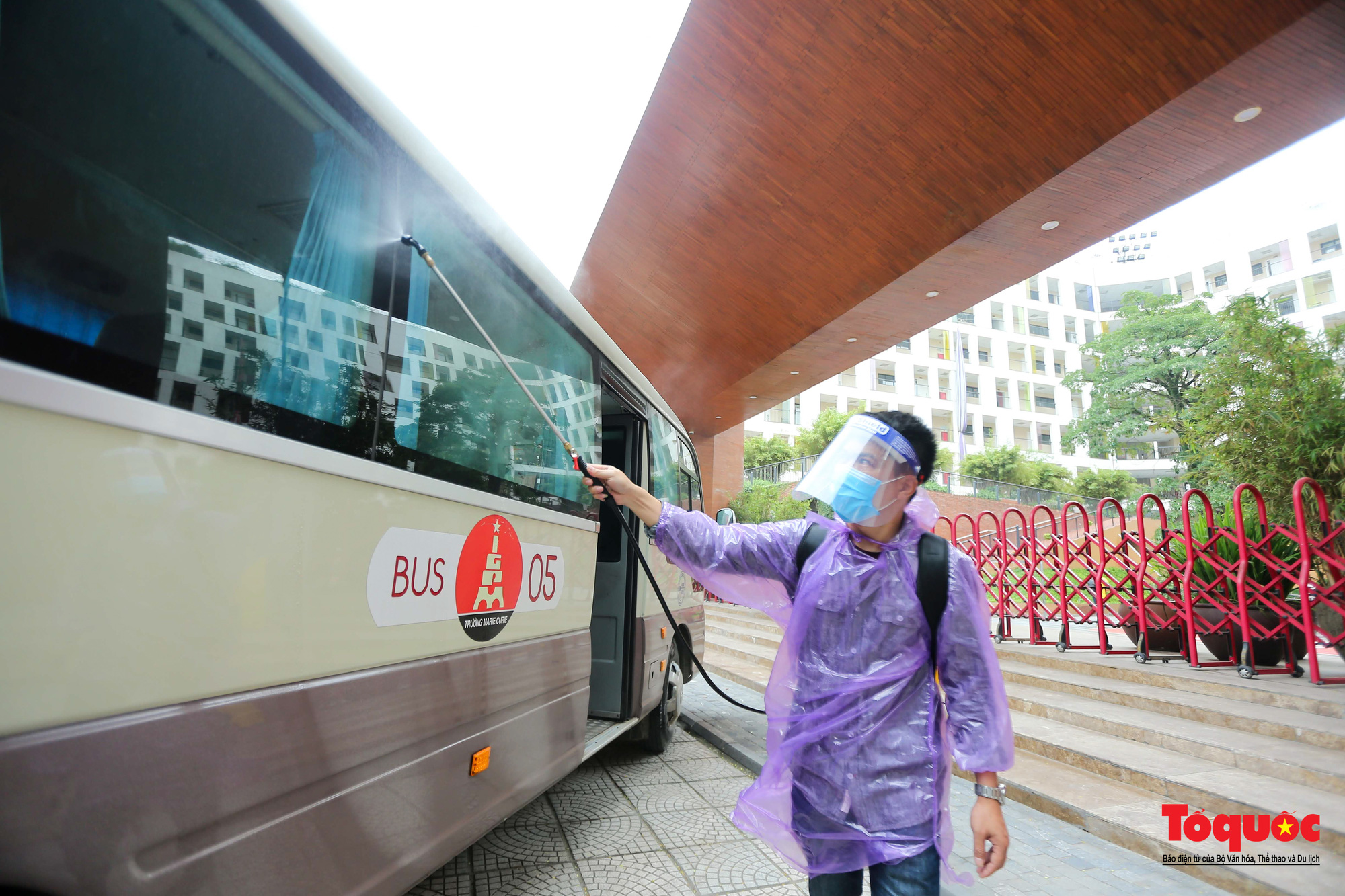 Hà Nội: Các trường học tổng vệ sinh, xây dựng phương án đón học sinh trở lại trường - Ảnh 10.