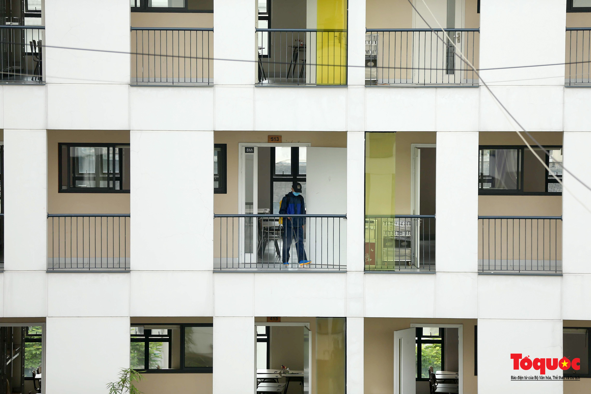 Hà Nội: Các trường học tổng vệ sinh, xây dựng phương án đón học sinh trở lại trường - Ảnh 12.