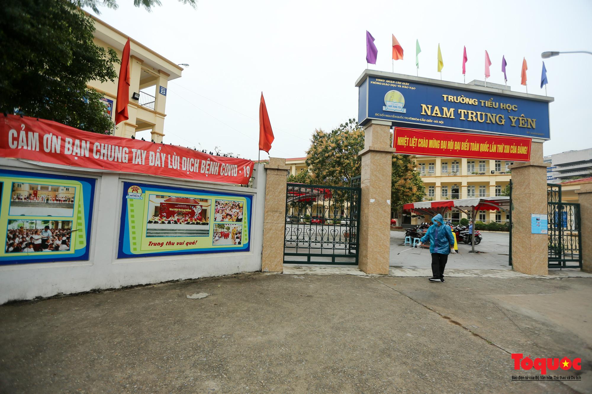 Hà Nội: Các trường học tổng vệ sinh, xây dựng phương án đón học sinh trở lại trường - Ảnh 1.