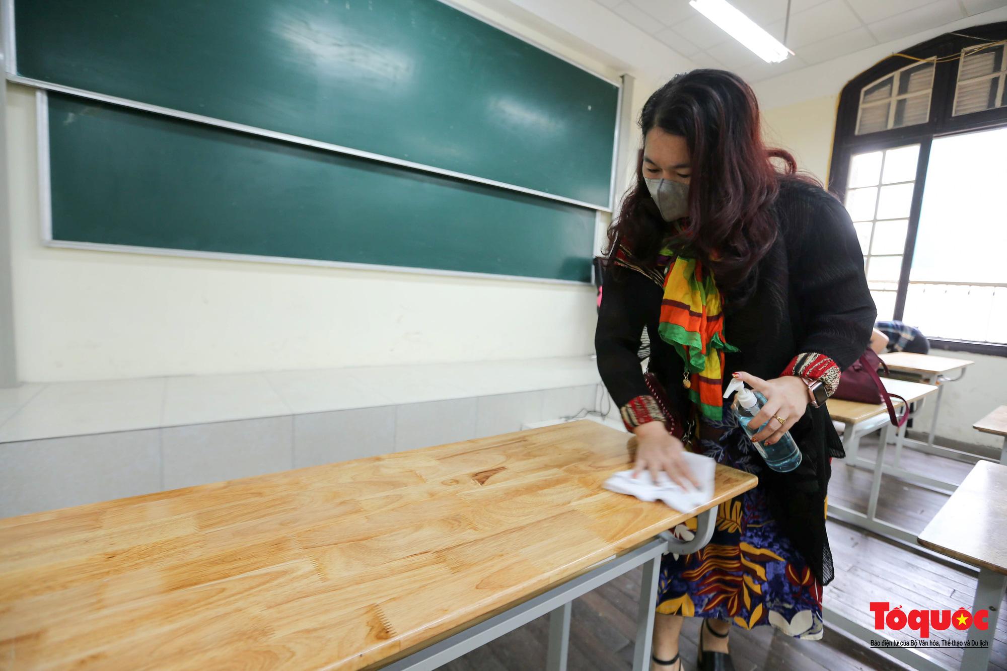 Hà Nội: Các trường học tổng vệ sinh, xây dựng phương án đón học sinh trở lại trường - Ảnh 8.