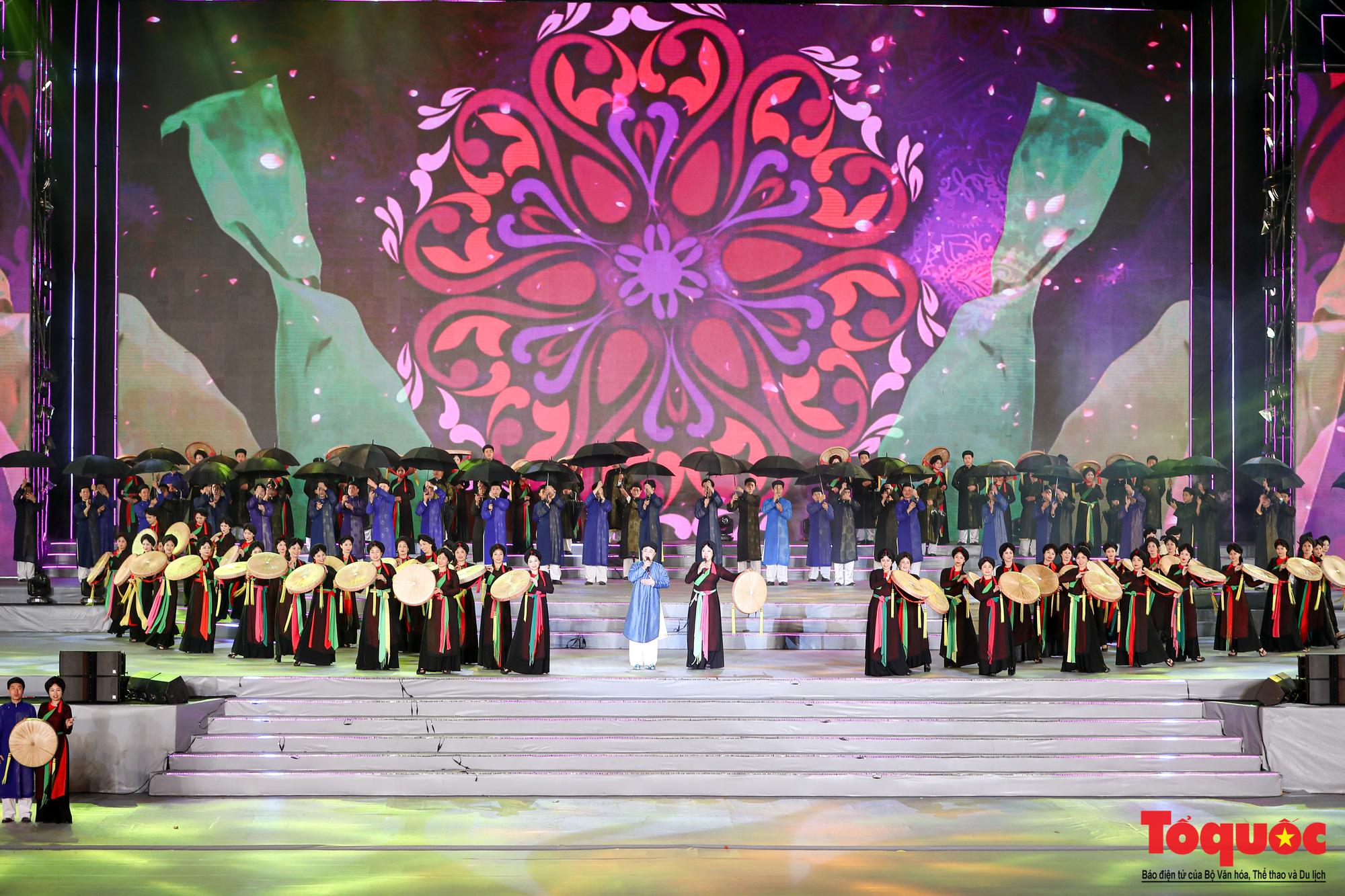 [Ảnh] Hoành tráng chương trình nghệ thuật 'Khát vọng - Tỏa sáng' chào mừng thành công Đại hội XIII của Đảng - Ảnh 9.