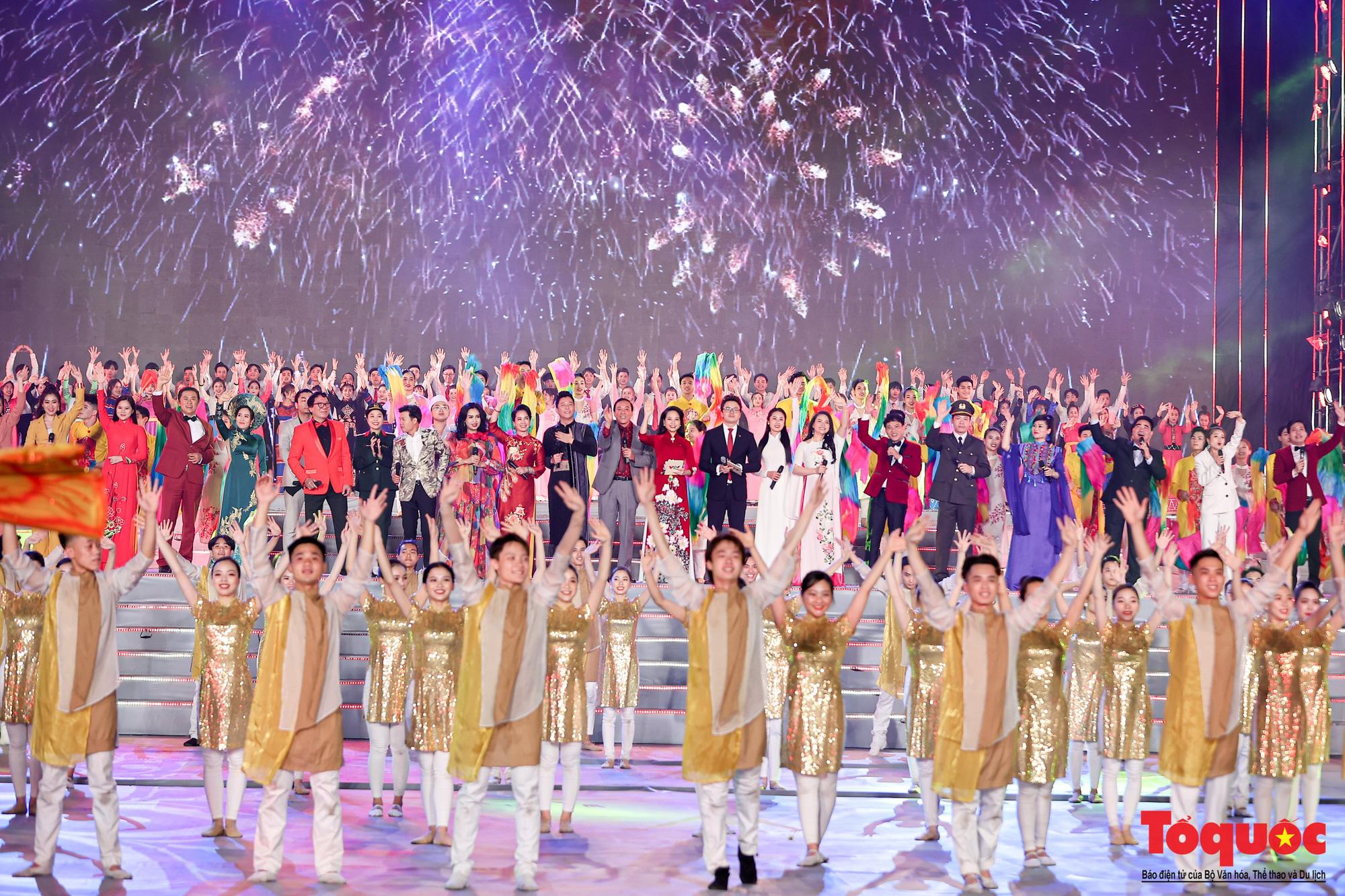 """Ấn tượng chương trình nghệ thuật """"Khát vọng - Tỏa sáng"""" chào mừng thành công Đại hội XIII của Đảng - Ảnh 14."""
