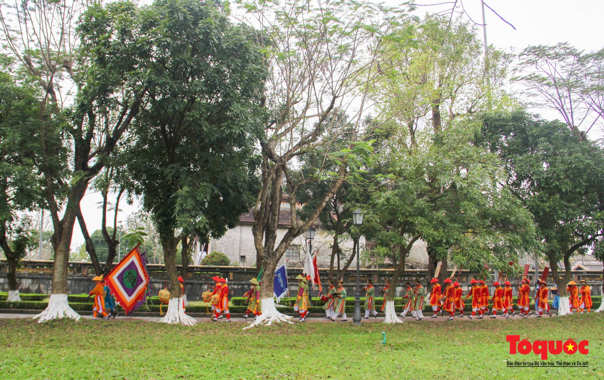Khu Di sản Huế dựng nêu đón Tết nguyên đán Tân Sửu 2021 - Ảnh 3.