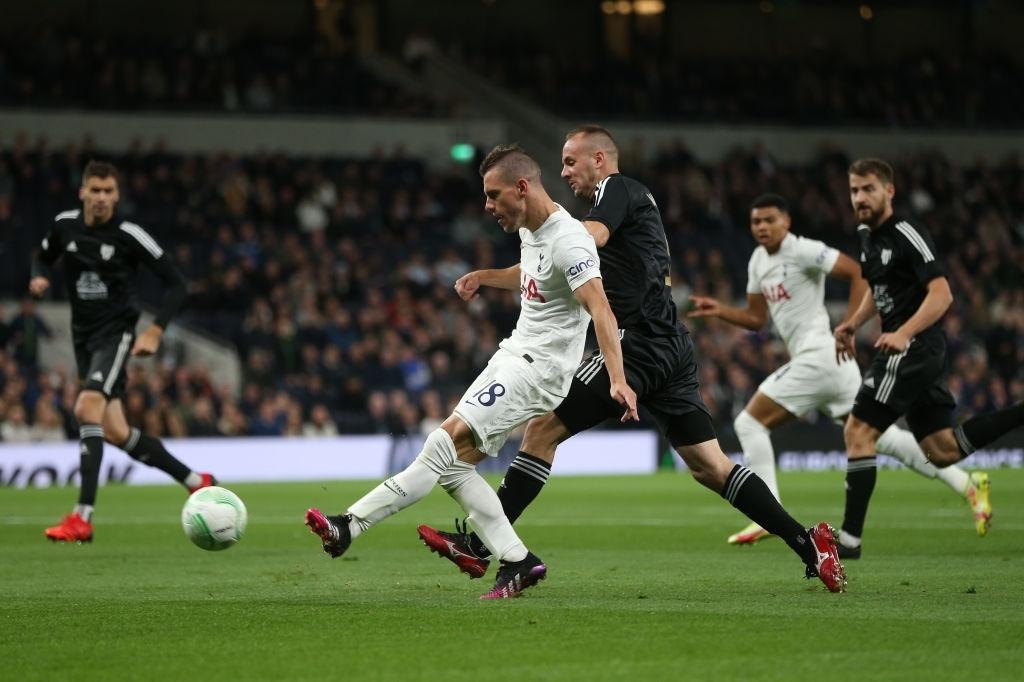 Son kiến tạo, Kane lập hat-trick giúp Tottenham lên đầu bảng xếp hạng Conference League - Ảnh 4.