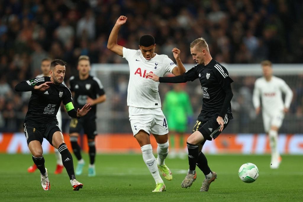 Son kiến tạo, Kane lập hat-trick giúp Tottenham lên đầu bảng xếp hạng Conference League - Ảnh 3.