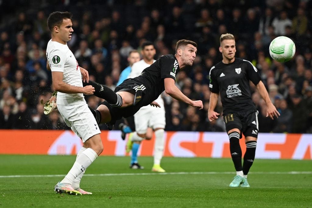Son kiến tạo, Kane lập hat-trick giúp Tottenham lên đầu bảng xếp hạng Conference League - Ảnh 6.
