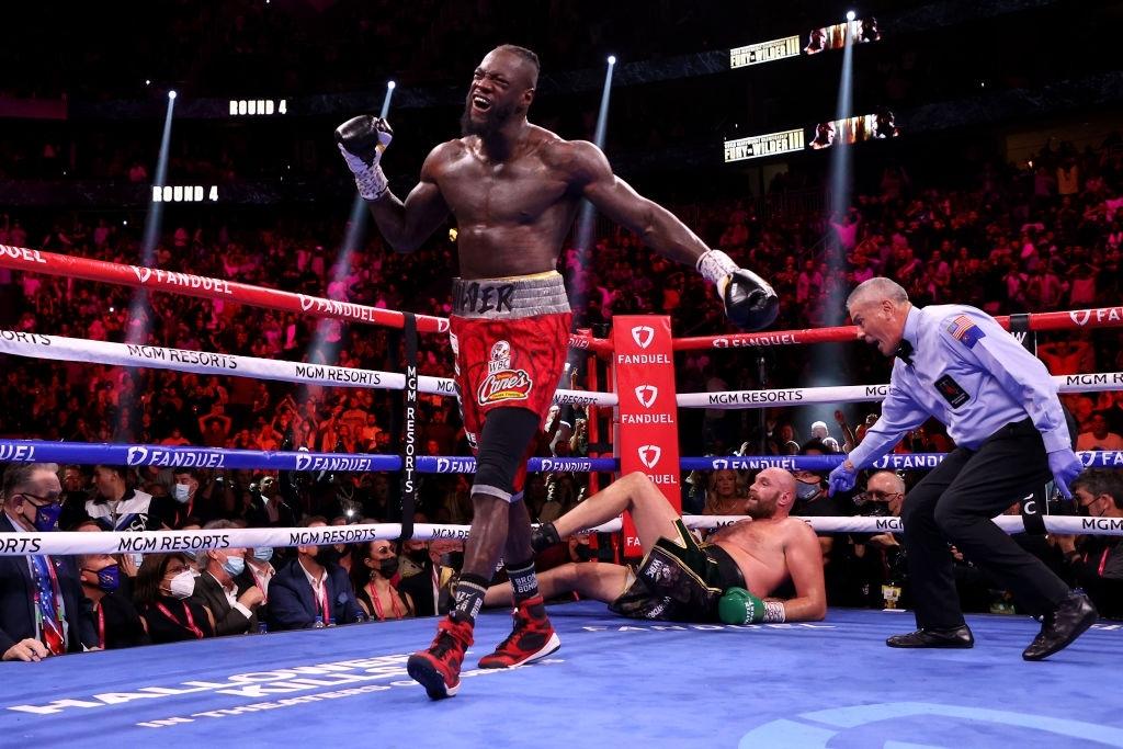 Cảm ơn Tyson Fury và Deontay Wilder vì những trận đấu không thể quên - Ảnh 1.