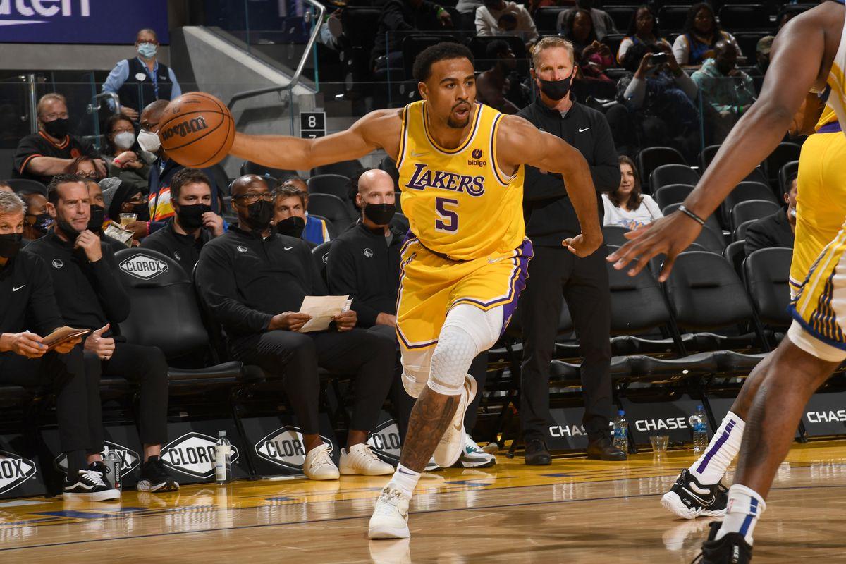 Los Angeles Lakers thiệt quân trước thềm mùa giải 2021-2022 - Ảnh 1.