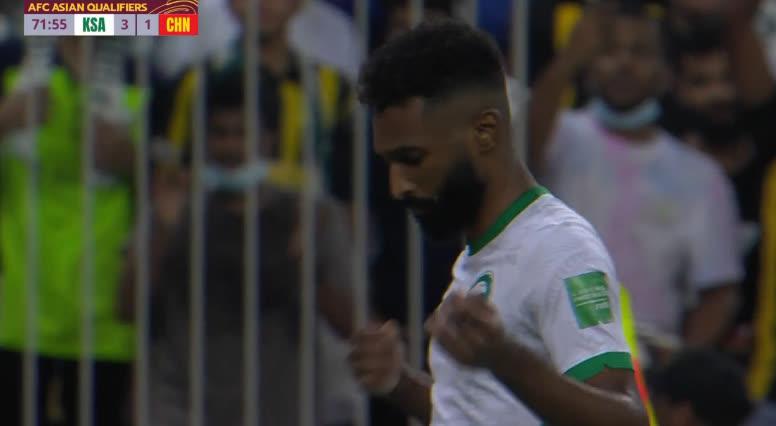 Al Brikan vào sân từ ghế dự bị nâng tỉ số lên 3-1 cho Saudi Arabia