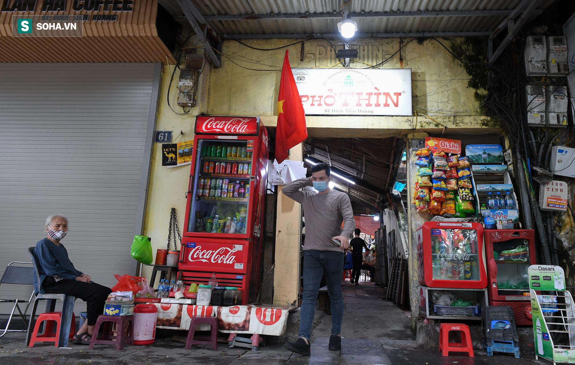 Chủ tịch hội đồng quản trị, tổng giám đốc đi từ Bắc Ninh ra Hà Nội ăn phở cho đã cơn thèm rồi lại đi về - Ảnh 1.