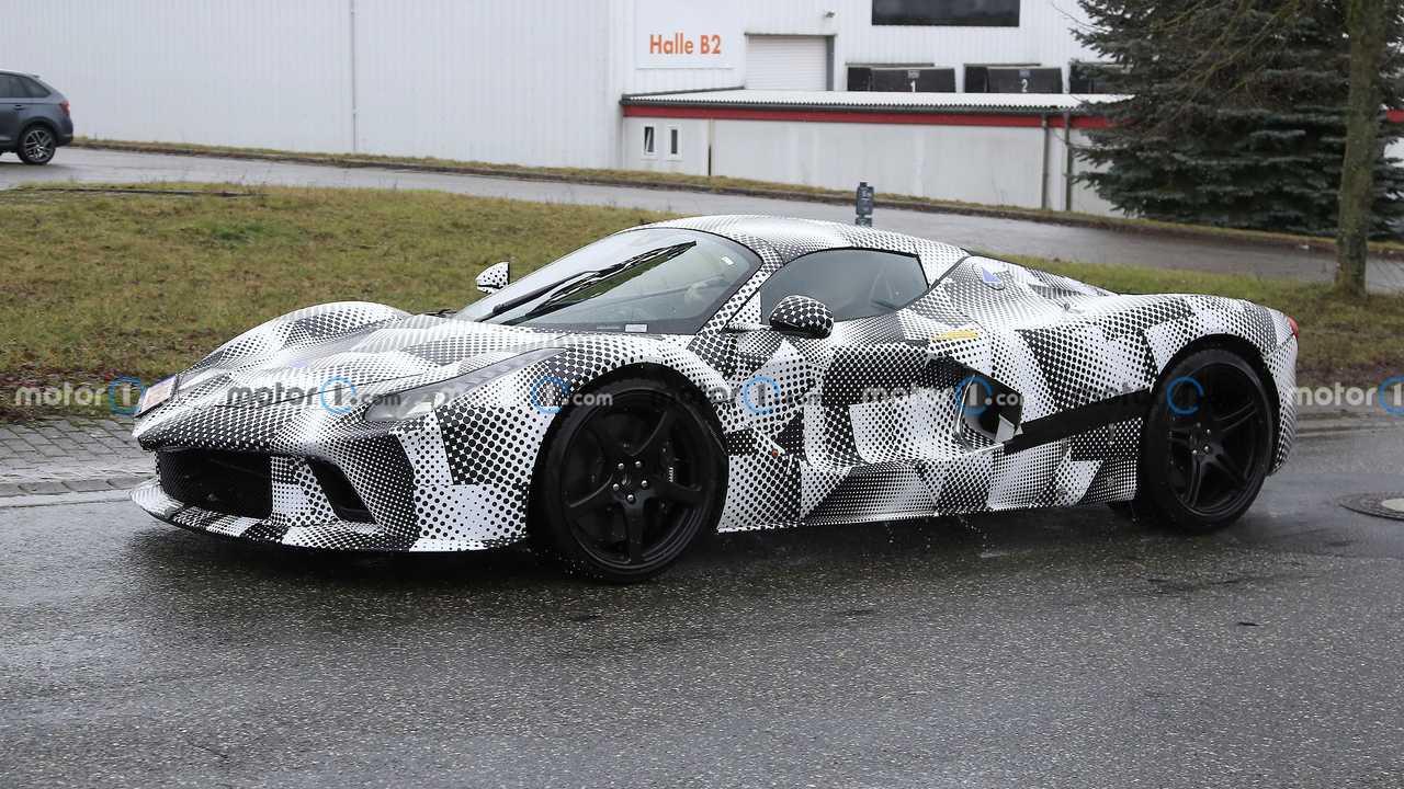 Siêu xe Ferrari mới kế thừa LaFerrari được xác nhận ra mắt ngay năm nay với hộp số hoài cổ - Ảnh 4.