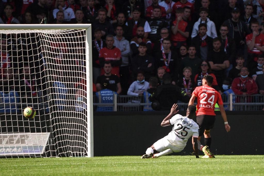 Các ngôi sao im tiếng, PSG thất thủ trước Rennes với tỷ số 2-0 - Ảnh 4.