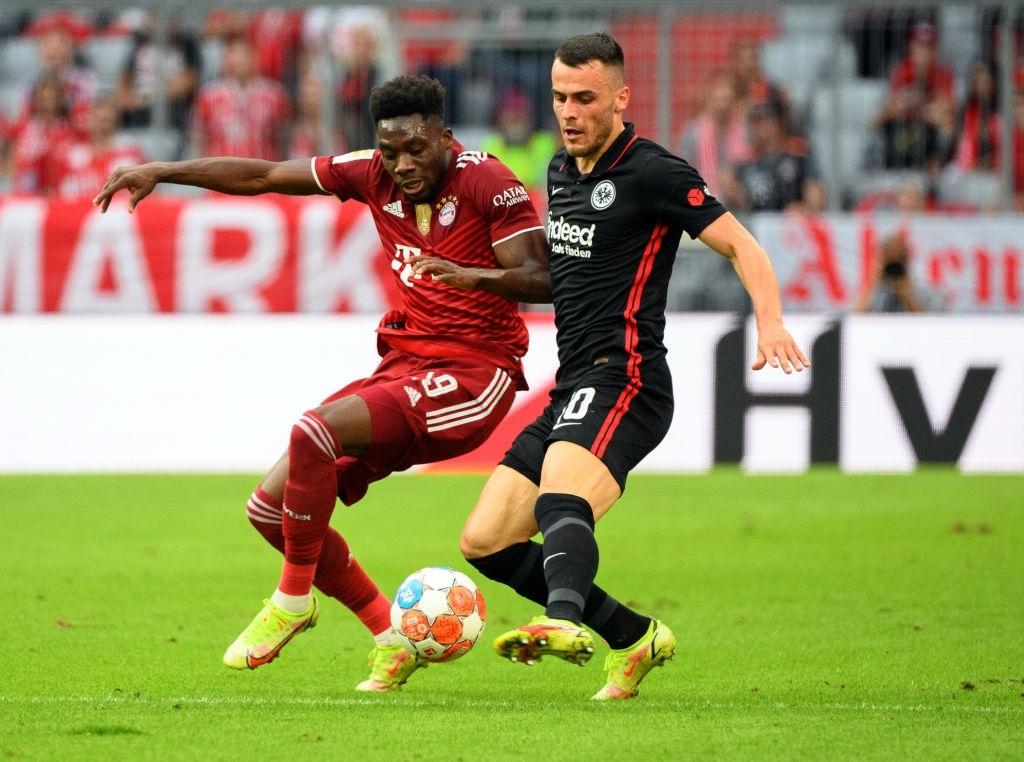 Thủ môn nam thần hóa siêu nhân khiến Bayern thua không thể tin nổi ngay trên sân nhà - Ảnh 6.