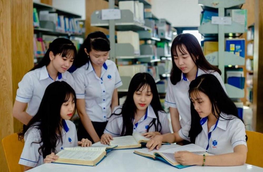 Trường đại học sẽ bị phạt nếu tuyển sinh vượt chỉ tiêu - Ảnh 1.