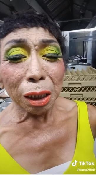 Thảm họa chuyển giới Thái Lan thay đổi hình ảnh với mái tóc ngắn nhìn thôi đã thấy... sợ 001