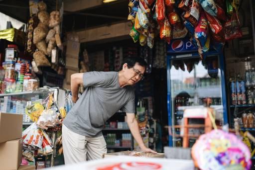 Giải pháp nào giúp chia sẻ khó khăn thiết thực cho chủ tiệm tạp hóa Việt? - Ảnh 1.
